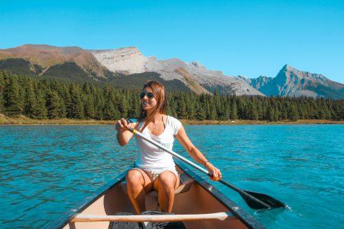 raquel furtado em Jasper nas montanhas rochosas canadenses