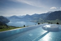 piscina do Villa Honegg verão suíça