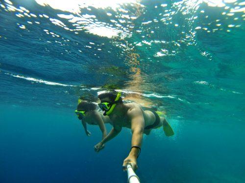 eu e leo fazendo snorkel em curaçao