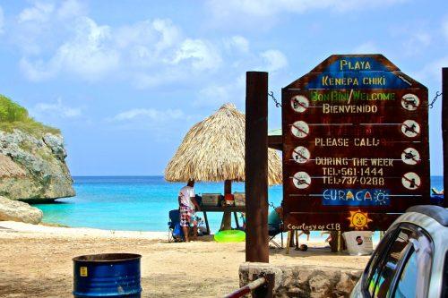 chegando na praia kenepa Chiki em curaçao