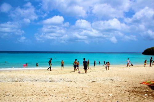 praia kenepa Chiki em curaçao