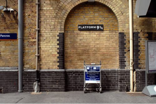 Foto da plataforma 3/4 (Harry Potter) em Londres