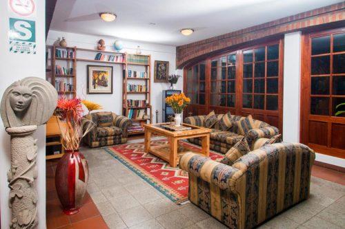 hotel san Sebastian em huaraz foto sala