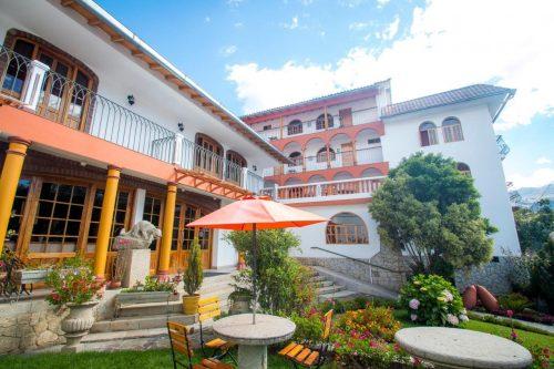 hotel san Sebastian em huaraz foto entrada