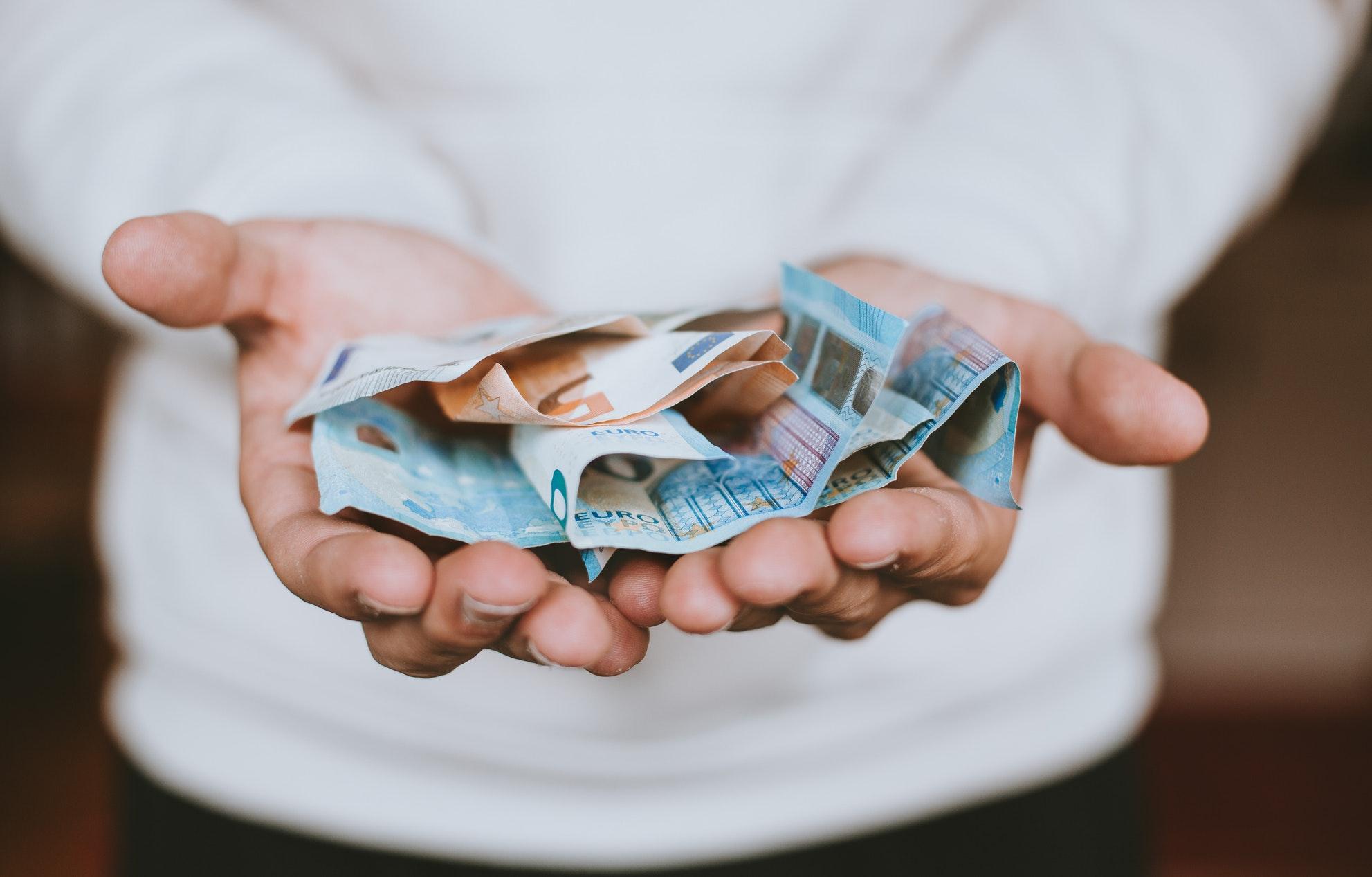 dinheiro no exterior