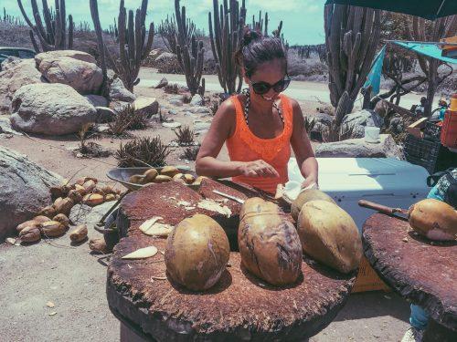 água de coco e aruba