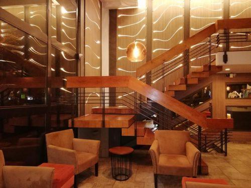 OndeFicarEmSantiago - Recepção do Hotel Diego de Velazquez