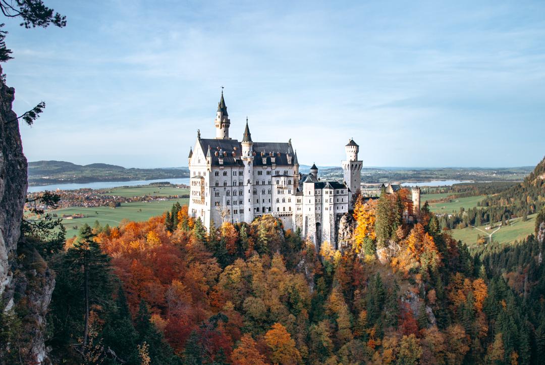 foto do castelo neuchswanstein na rota romantica da alemanha