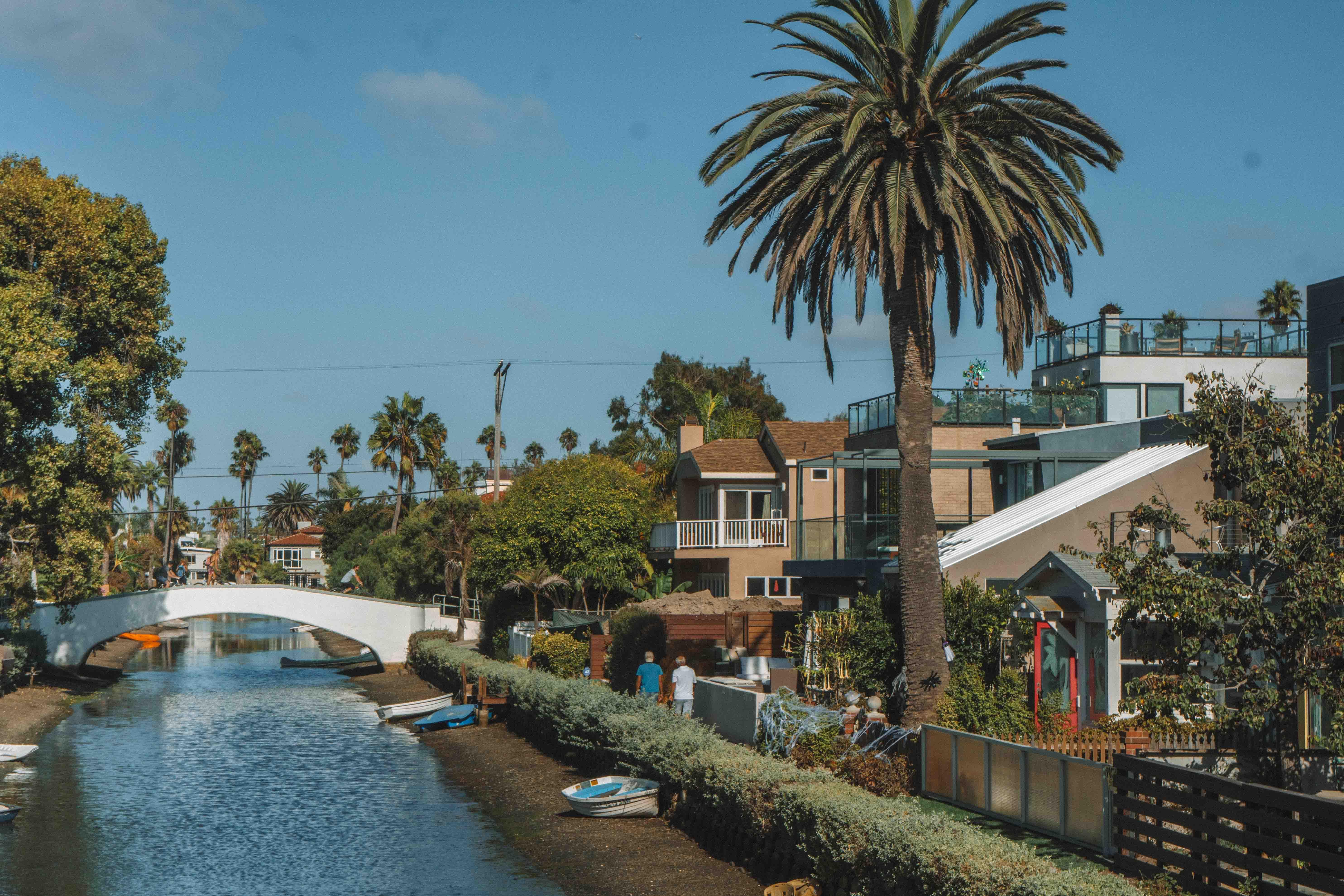 margem dos canais de Venice, no sul da Califórnia
