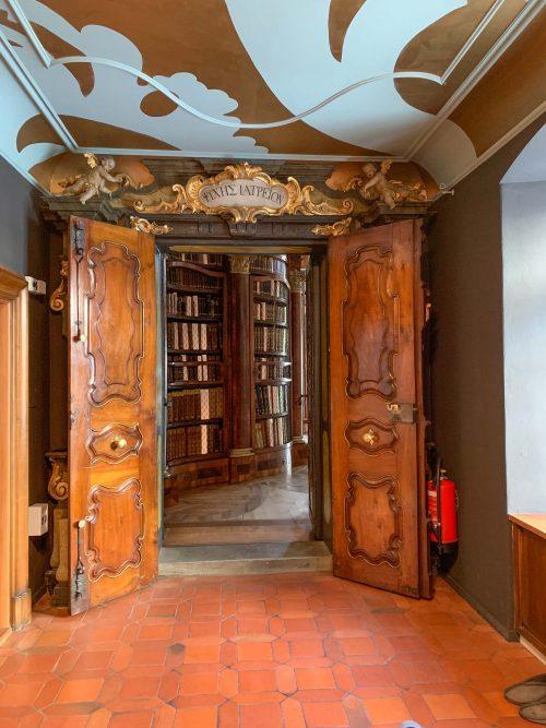 entrada da biblioteca de st gallen