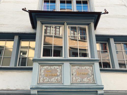 janela no centro histórico de st gallen