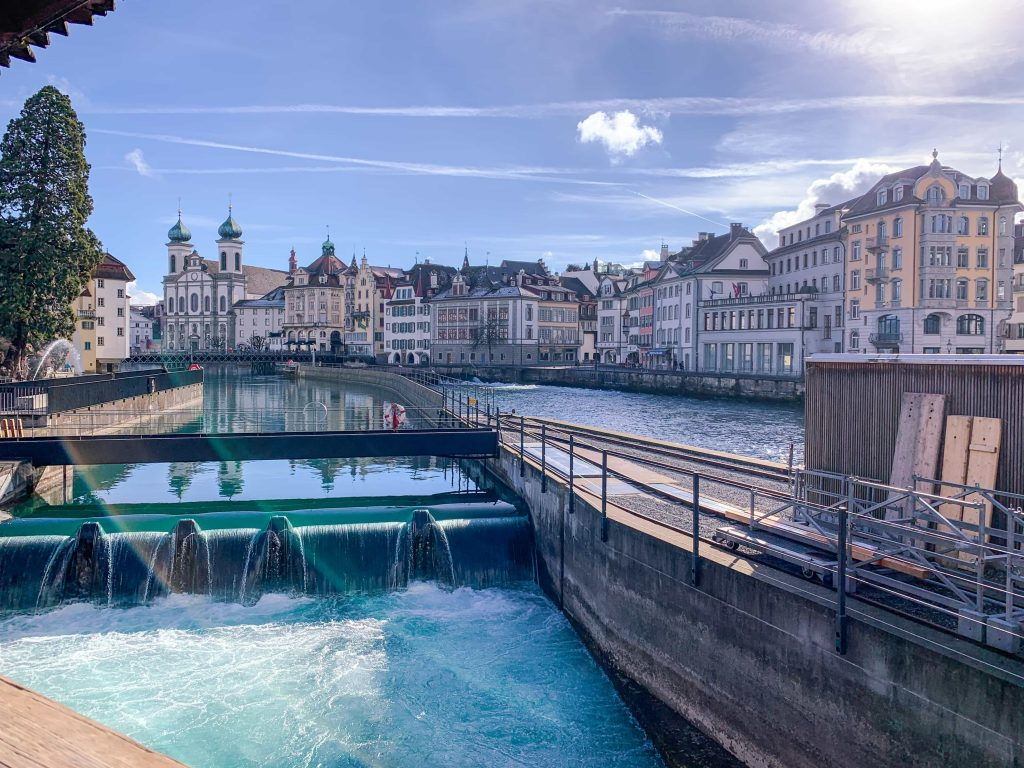 vista da ponte Spreuerbrücke em Lucerna