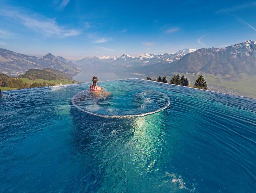foto da piscina do hotel villa honegg - lucerna