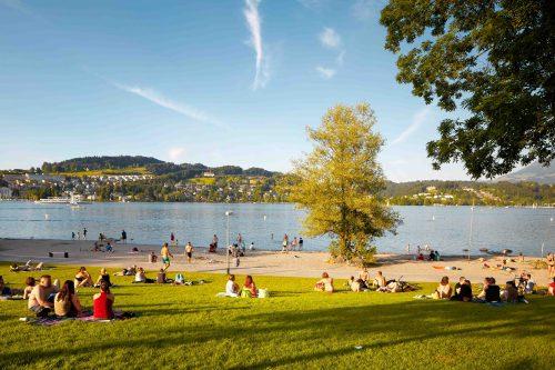 lago lucerna no verão