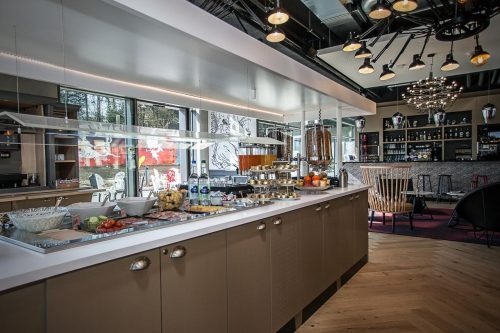 onde ficar em genebra: ibis foto restaurante