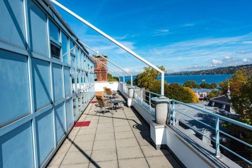 Onde ficar em Genebra - geneva hostell foto varanda