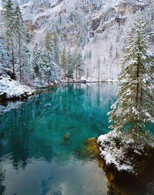 lago blausee no inverno na suíça