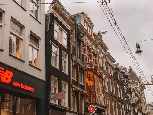 casas inclinadas em Amsterdam