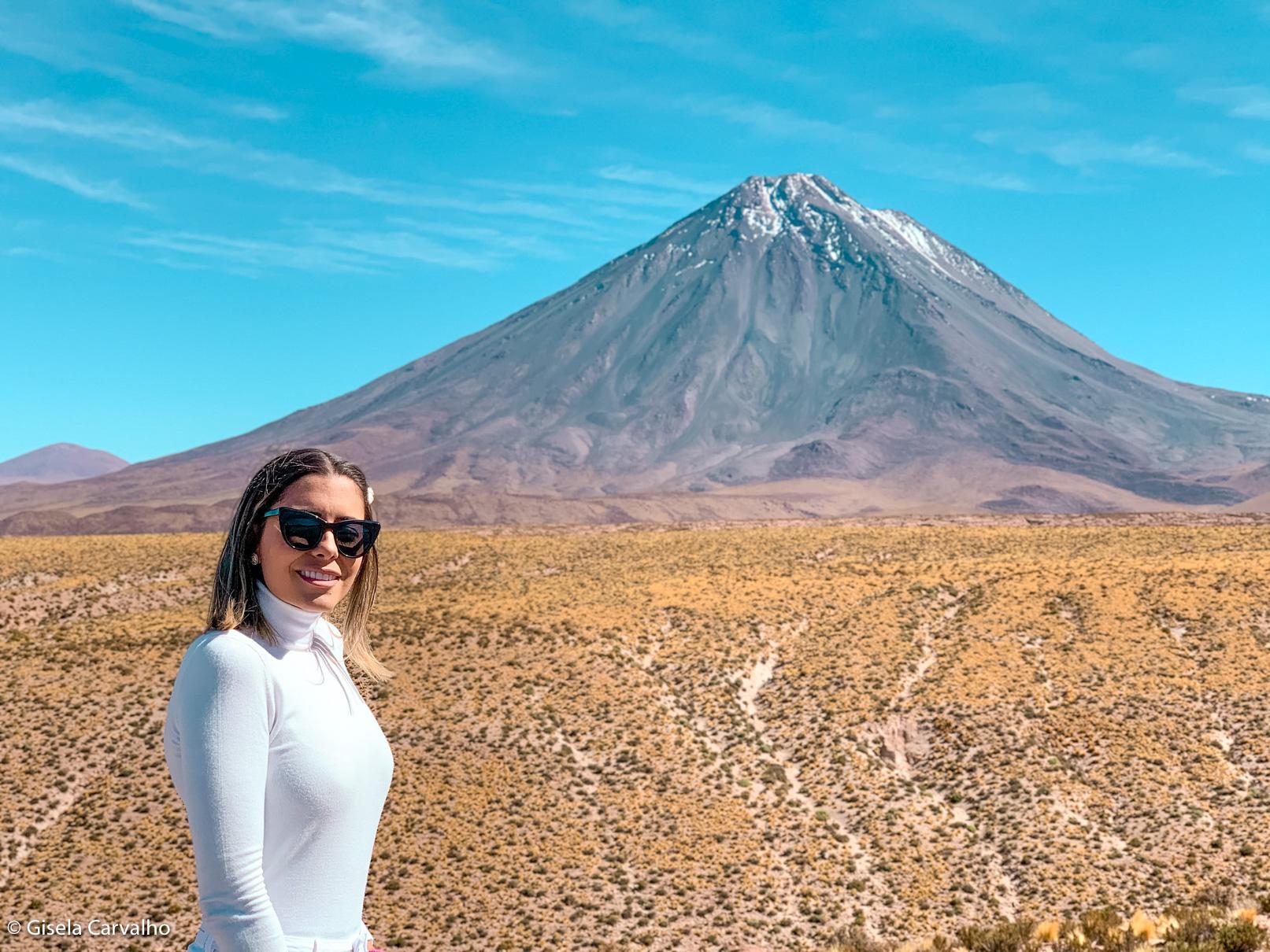 Gisela Carvalho no deserto do atacama