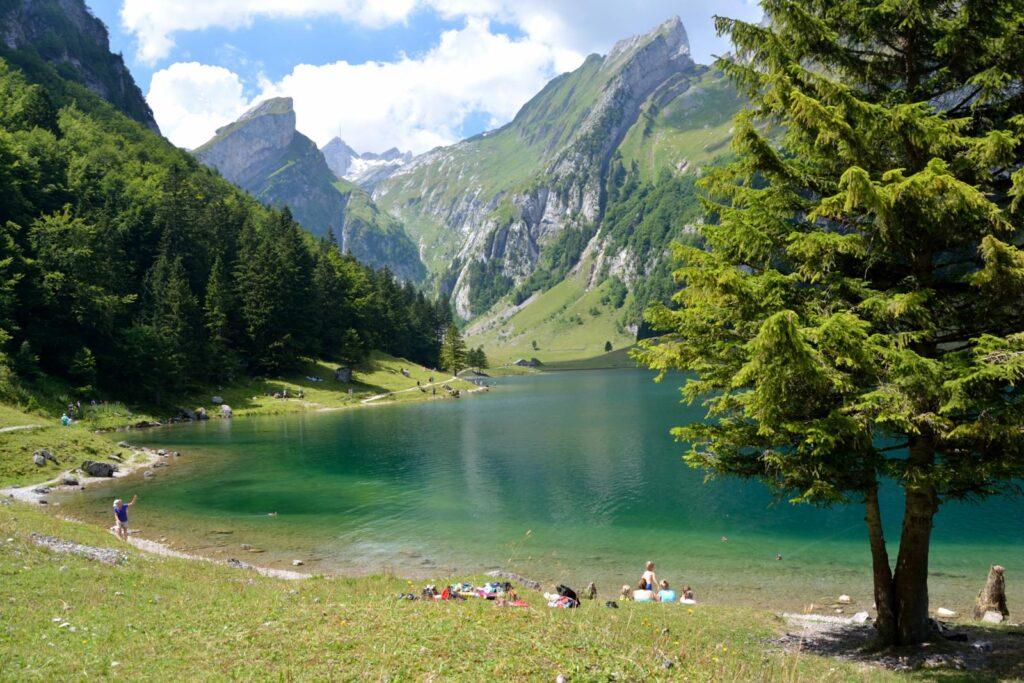 seealpsee durante o verão na Suíça